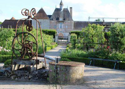 Chateau de la Bussiere - Roses